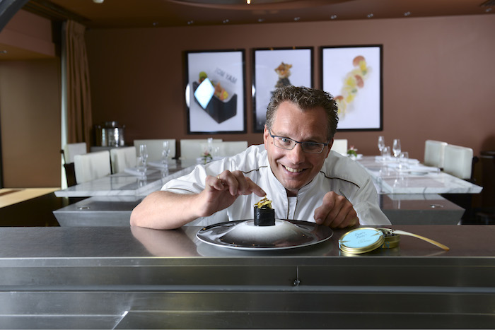 Onno Kokmeijer bij chefs table